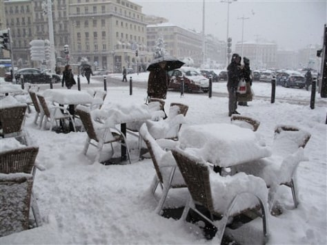 Image: Snow covers Marseille, France
