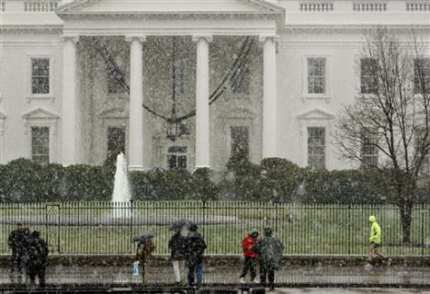 Image: Snow at White House