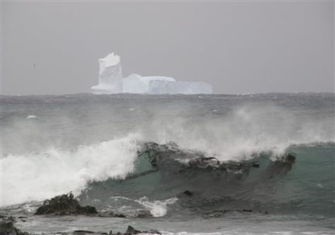 Image: Iceberg off island