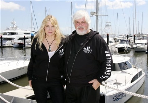 Daryl Hannah and Paul Watson