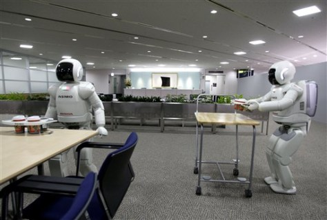 Image: Japan Honda robot pair