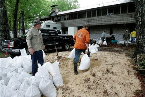 Image: Sandbagging in Florida