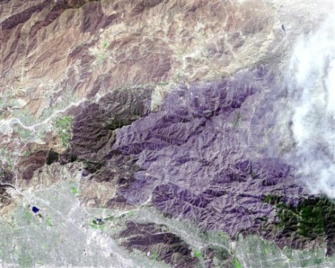 Image: Southern California fire seen in satellite image