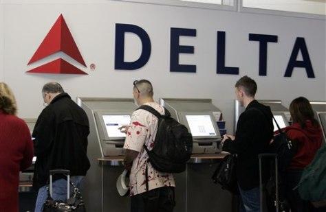 Image: Delta fees