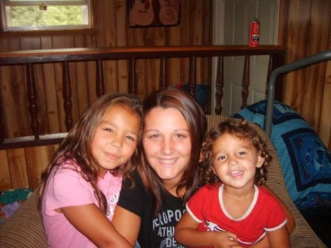 Image: Kenzie Marie Houk and daughters