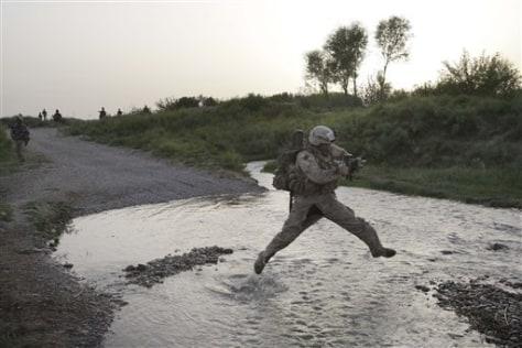 Image: Marines patrolling