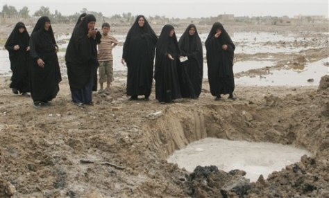 Image: Mass grave in Iraq