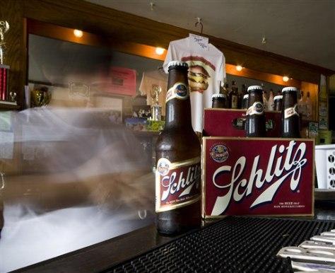 Image: Schlitz bottles