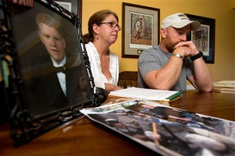 Image: Parents mourn soldier's suicide