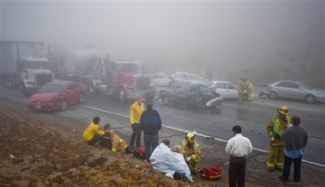 Image: Injured people, crashed cars
