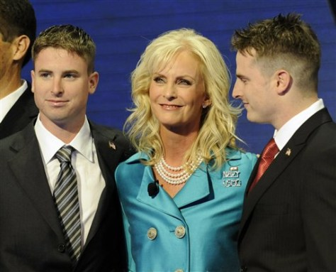 Image: Jimmy, Cindy and Jack McCain