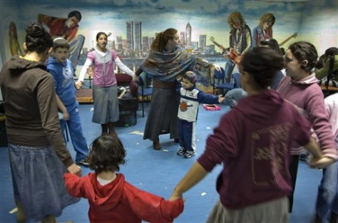 Image: Israeli children indoors