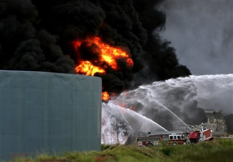 Image: Fire at fuel storage site