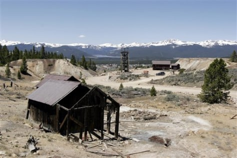 Image: Mining buildings.