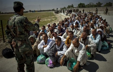 Image: Afghan National Army recruits receive training