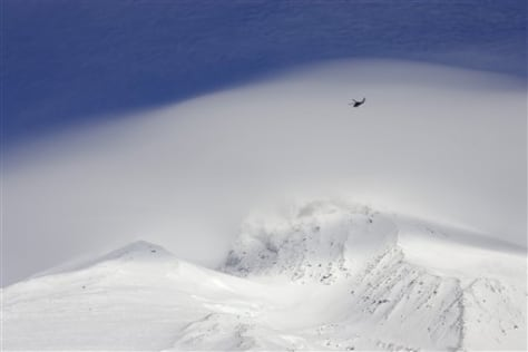 Image: Helicopter searches on Mount Hood