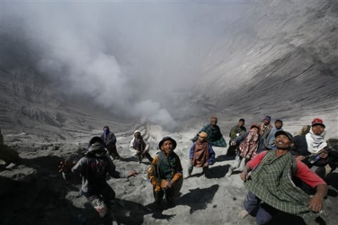 Image: Indonesia volcano and villagers