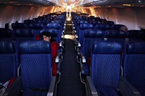 Image: Nearly empty flight to Mexico