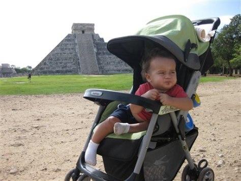 Image: Baby traveler