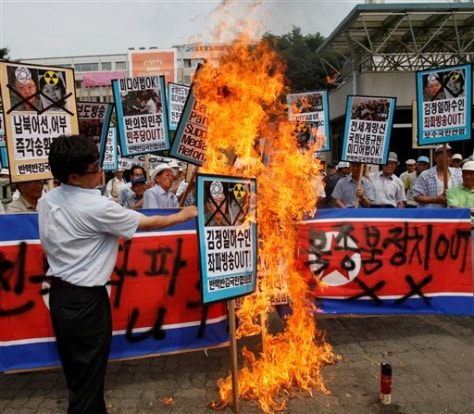 Image: South Koreans protest North