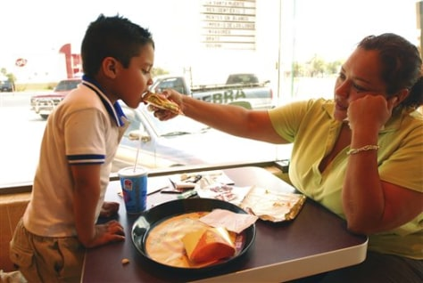 Image: Mexico Taco Bell patrons