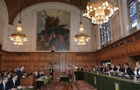IMAGE: WORLD COURT JUDGES HEAR ARGUMENTS