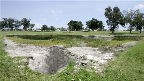 IMAGE: DRIED UP LAKE AT GOLF COURSE