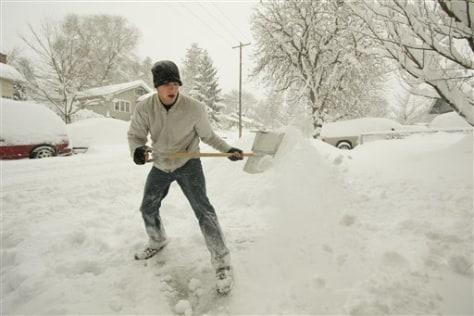 Image: Shoveling snow in Spokane