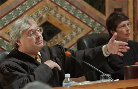 Image: Judge Alex Kozinski