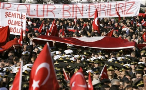 IMAGE: FUNERAL MARCH FOR TURKISH SOLDIERS