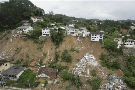 Image: Homes destroyed by mudslides
