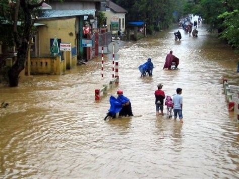 IMAGE: Flooded Viet town