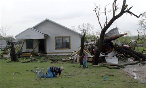 Image: Apparent tornado hits Breckenridge, Texas