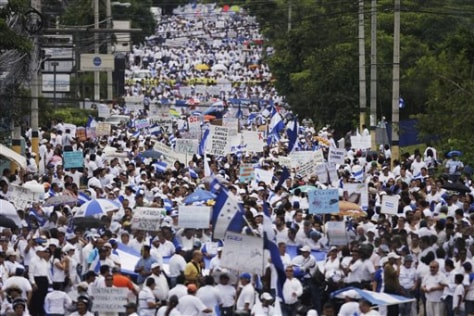 Image: Supporters of Honduras' interim government