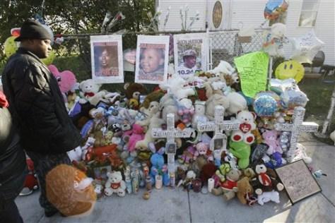 Image: Memorial outside Hudson home