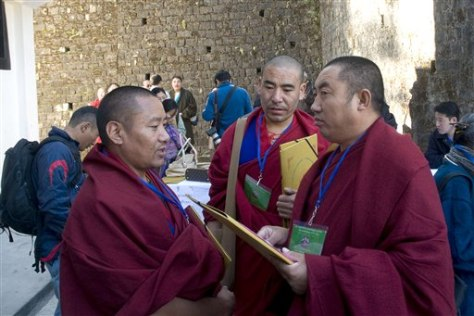 Image: Tibetan Buddhist monks
