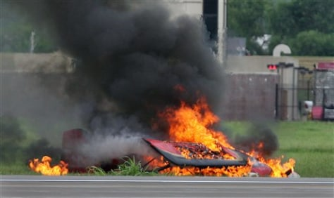 Image: Remains of a fiery crash