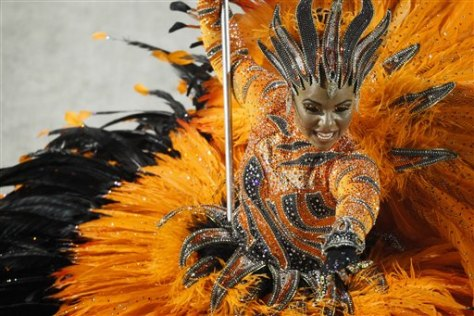 Image: Samba dancer