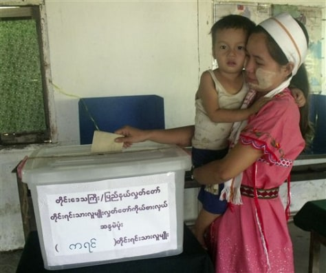Image: Woman casts vote in Myanmar election