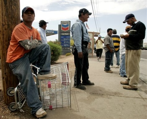 immigrant workers the life of day laborers in phoenix The problem of disorder at day laborer sites this guide addresses the problem of disorder at day laborer sites it begins by describing the problem and reviewing factors that increase the risks of it.