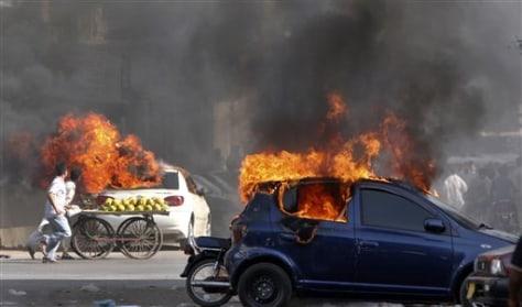 Image: Pakistan riots