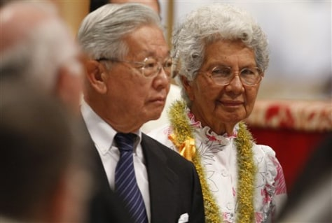Image: Audrey Toguchi, 80, from Hawaii, at right, with her doctor Walter Chang