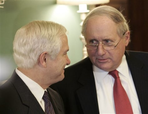 Robert Gates meets with Sen. Carl Levin
