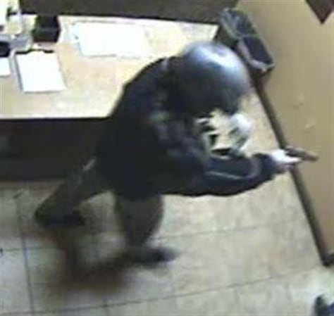 Image: Surveillance video shows bandit with motorcycle helmet