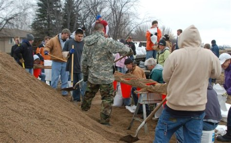 Image: Sandbagging along Red River