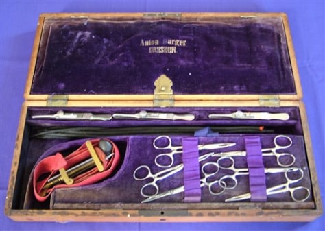 Image: Surgical kit