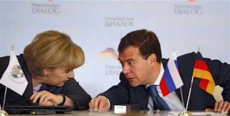 Image: Merkel and Medvedev
