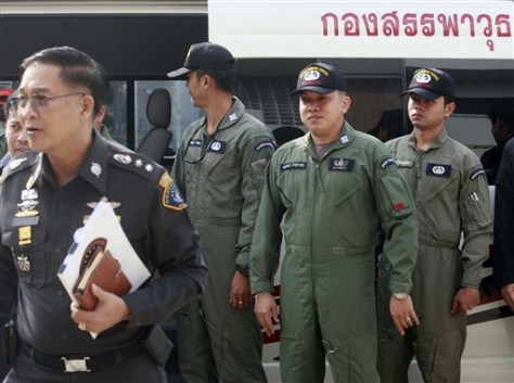 Image: Thai weapons inspectors