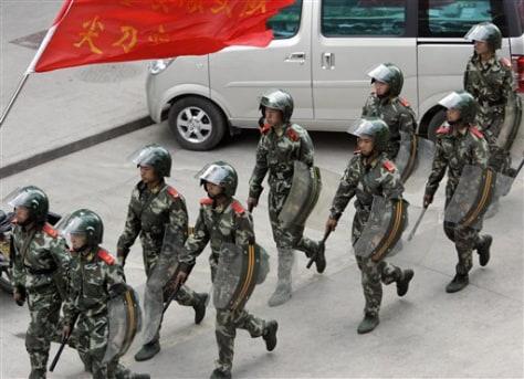 Image: Chinese paramilitary police