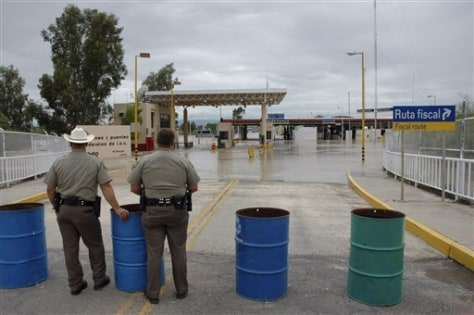 Image: Flooded border crossing